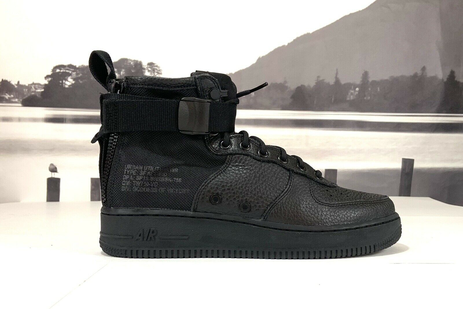 "Nike SF Air Force 1 Mid ""Triple Black"" BLACK BLACK 917753-005 Men's Size 8.5"