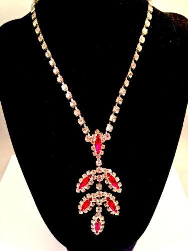 VINTAGE SILVER-TONE RUBY RED NAVETTE CRYSTAL RHINESTONE NECKLACE DANGLE PENDANT