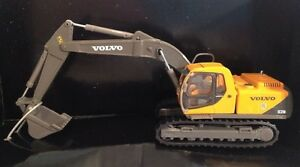 HWP-006505-Volvo-EC210-Excavator-1-87-Brand-new-MIB