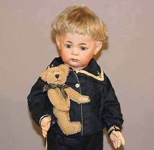 ANTIQUE-GERMAN-BISQUE-DOLL-K-R-115a-TODDLER-With-TEDDY-BEAR