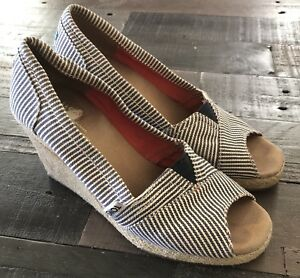 7ad8f2e3dad Image is loading Women-039-s-TOMS-Calypso-Wedge-Striped-Blue-