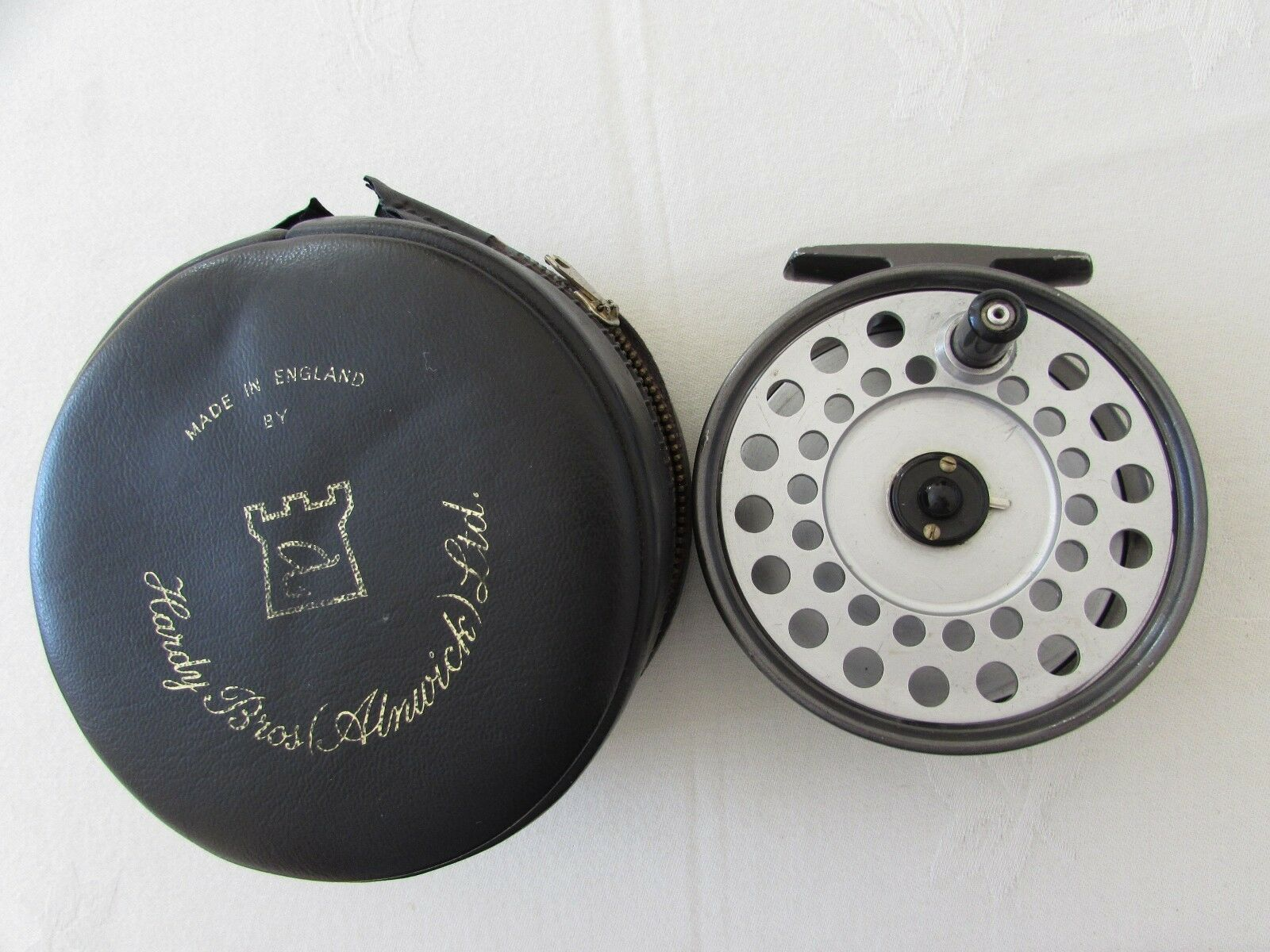 V good vintage hardy viscount 140 trout fly fishing reel  3 + 5 8ths + case  the lowest price