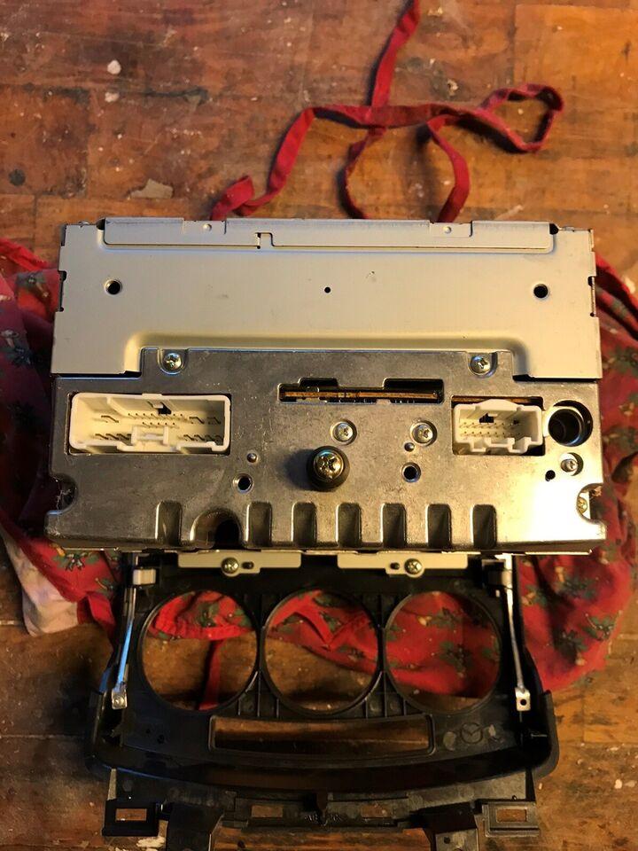 andet mærke Mazda, CD/Radio