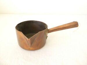Ancienne-casserole-a-sucre-en-cuivre
