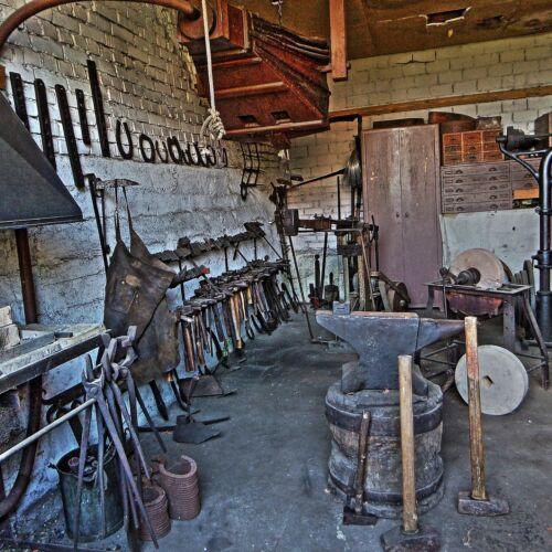 Door drawer handles Arrow  5 Inch Black VintageTraditional cast wrought iron