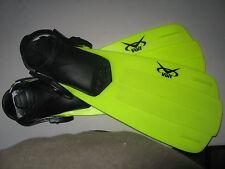 New VOIT  Neon Green Diving Scuba Fins Snorkeling Flippers Size 6-8 Kids JR