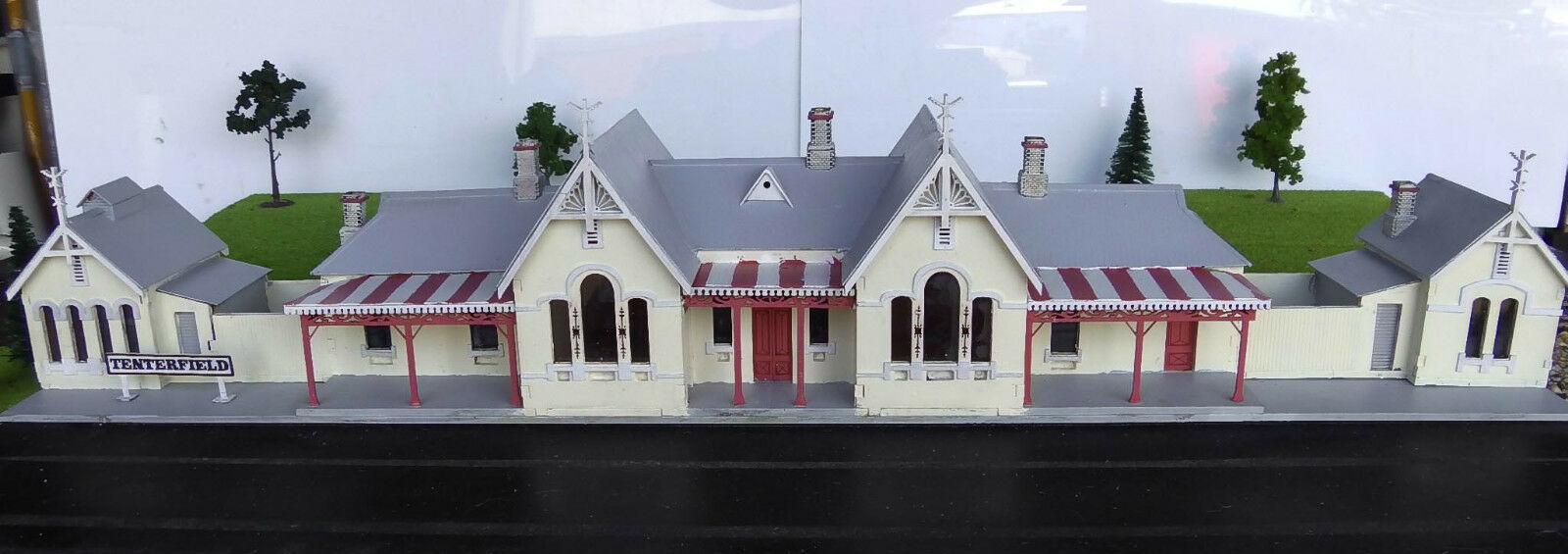 O scale building Tenterfield Station KIT 1 48