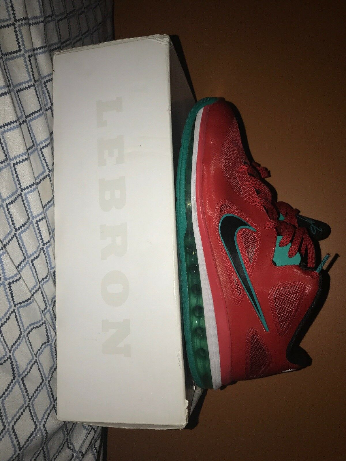 334d4572a36 Nike Lebron 9 Low Liverpool Size 11 Red Red Red White Manchester 510811 601  a20130