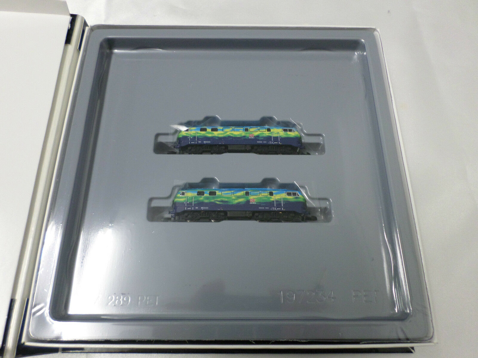 Marklin 88789 88789 88789 Z Gauge Double Locomotive Set 840f85