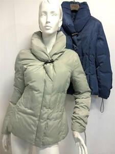 new arrival f4e0e 8312a Dettagli su Piumino Blouson Jacket Gaia Rossi Donna corto con collo ampio  ghiaccio e blu