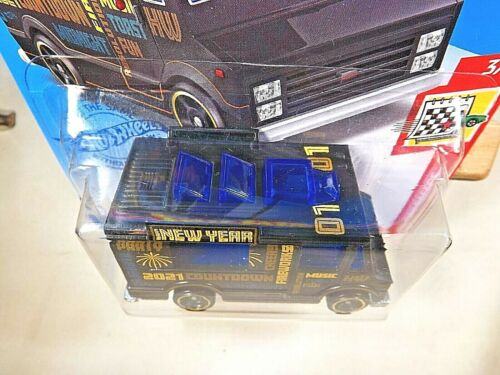 DieCast Hotwheels Quick Bite Happy New Year 2021 Holiday Racers 3//5 Black