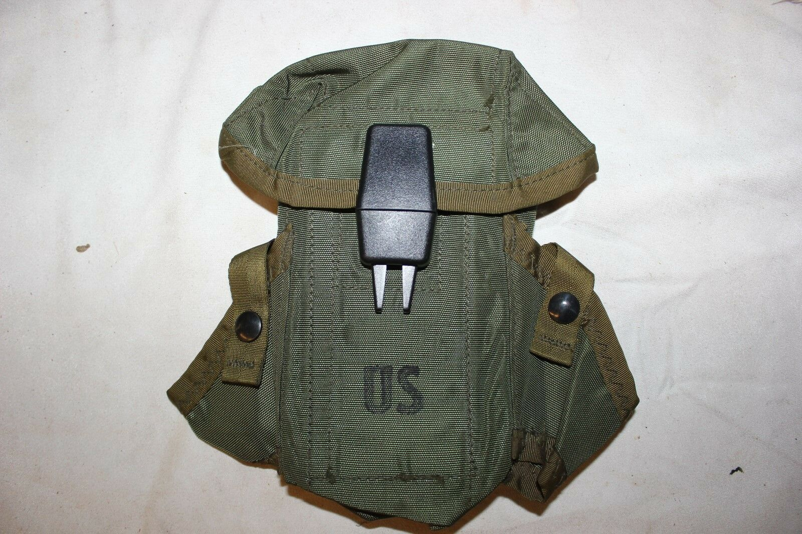Government Issue US Military Surplus .223 5.56 30 Round OD Magazine Pouch  Lot10