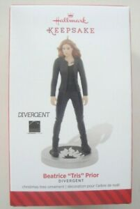 HALLMARK-KEEPSAKE-CHRISTMAS-ORNAMENT-Beatrice-034-Tris-034-Prior-Divergent-2014