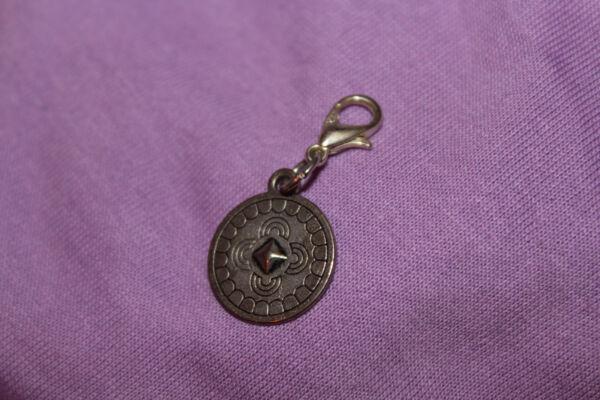 1 Anhänger Für Bettelarmband Mit Karabiner - Silbern - Münze Zier - Charm