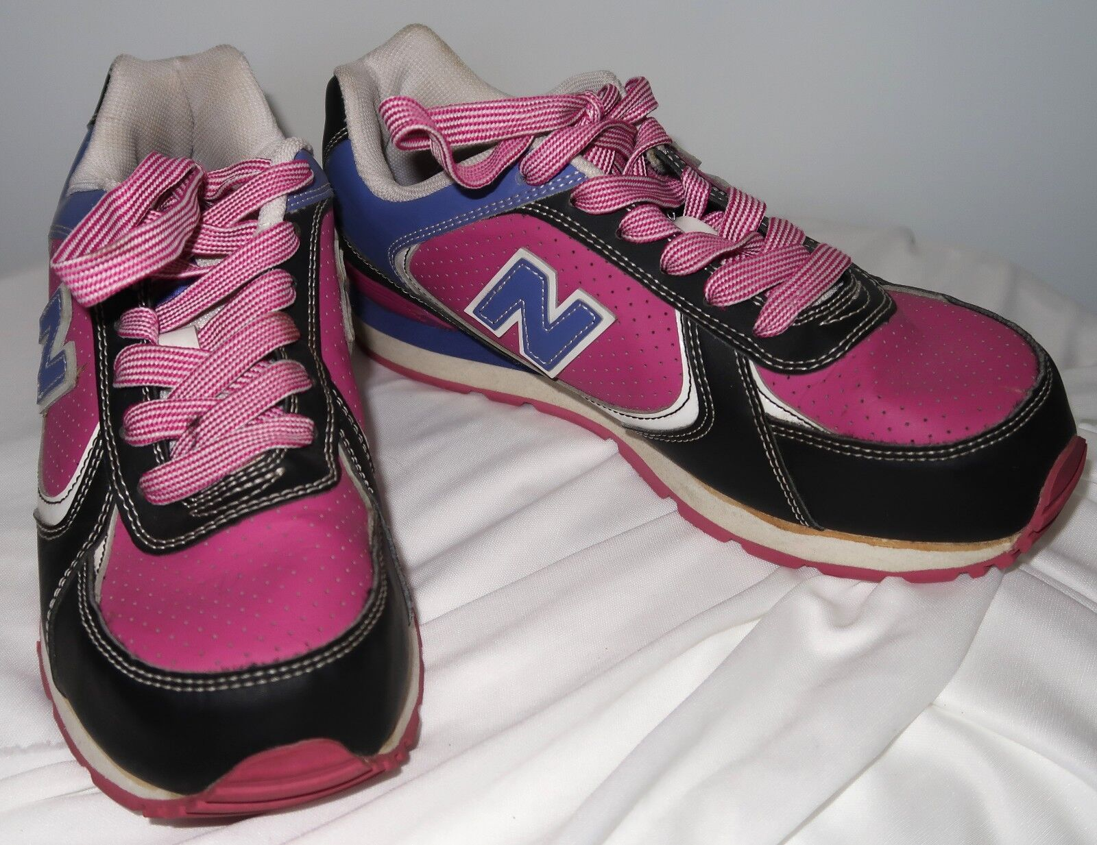 VIntage Looking New Balance 525 Womens Size 6 Pink & Purple shoes colorful
