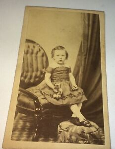 Antique-American-Civil-War-Era-Fashion-Child-Floral-Bouquet-Tax-Stamp-CDV-Photo