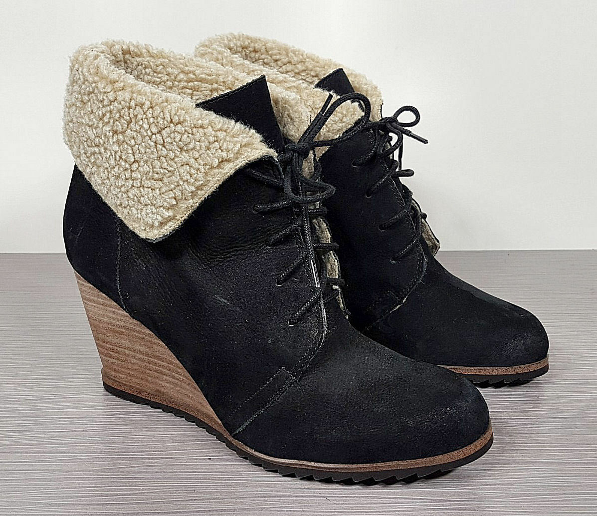Caslon Gaby Faux Shearling Lace-Up Bootie, Black Leather, Womens Size 9 / 39