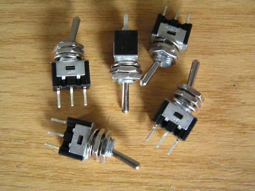 MINI Interruttore S//P ON//OFF//ON 1A 240Vac MTS3 5 PEZZI OM0592