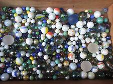 Ca. 300 Murmeln, Klicker. Glas, Marmor, Holz. Ø 10 - 25 mm, Gewicht: 2,9 kg.