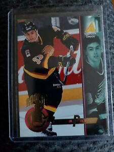 1994-95-Pinnacle-RC-ROOKIE-CARD-Mike-Peca-Vancouver-Canucks-Card-260