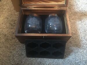 Harley-Holiday-Cheers-Ice-Cube-Jello-Tray-Real-Glass-Glasses-Wooden-Box-New-OEM