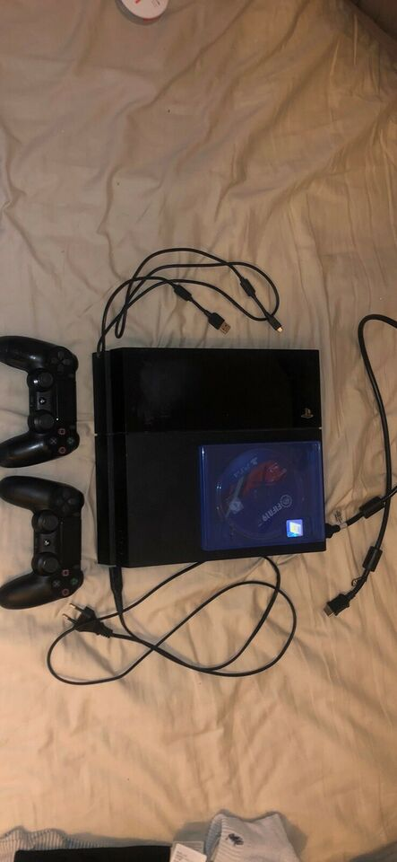 Playstation 4, God