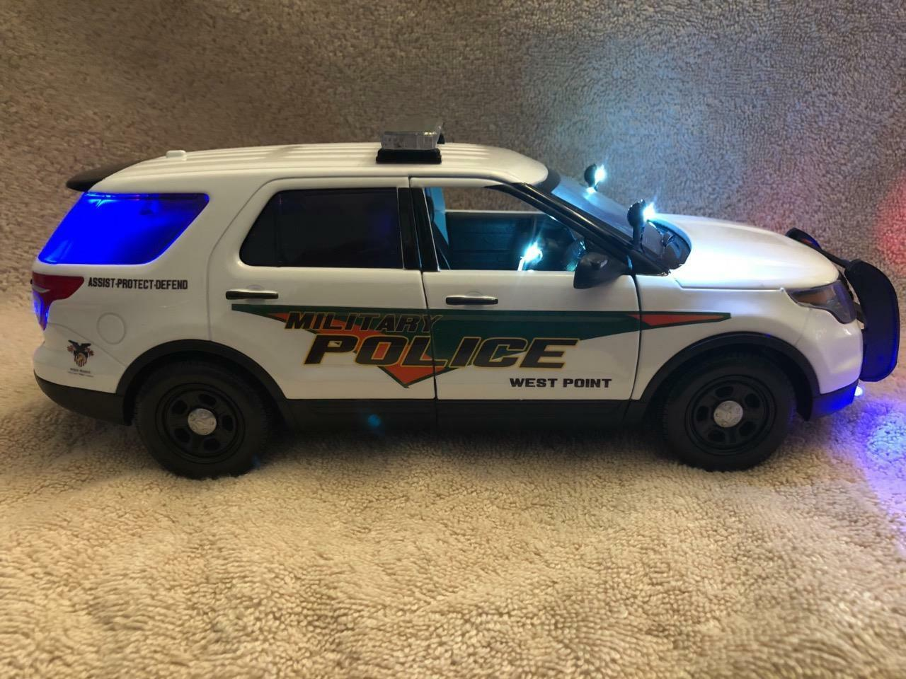 1 18 Scale Diecast West Point MP SUV model with Working Lights et sirène