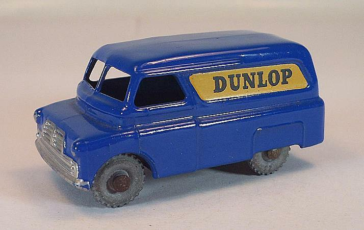 MATCHBOX regular WHEELS n. 25 a Bedford Dunlop Van Dark blu MTW LESNEY 2  211