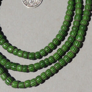 32-034-81cm-strand-venetian-3-layer-small-green-chevron-african-trade-beads-1774