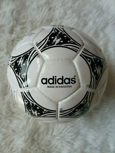 Siesta bota Despertar  Adidas Questra World Cup 1994 Football Soccer Ball Modern Re-issue Size 5 |  eBay