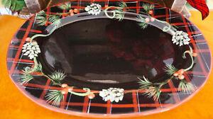 Tartan-Christmas-Platter-by-Patricia-Brubaker