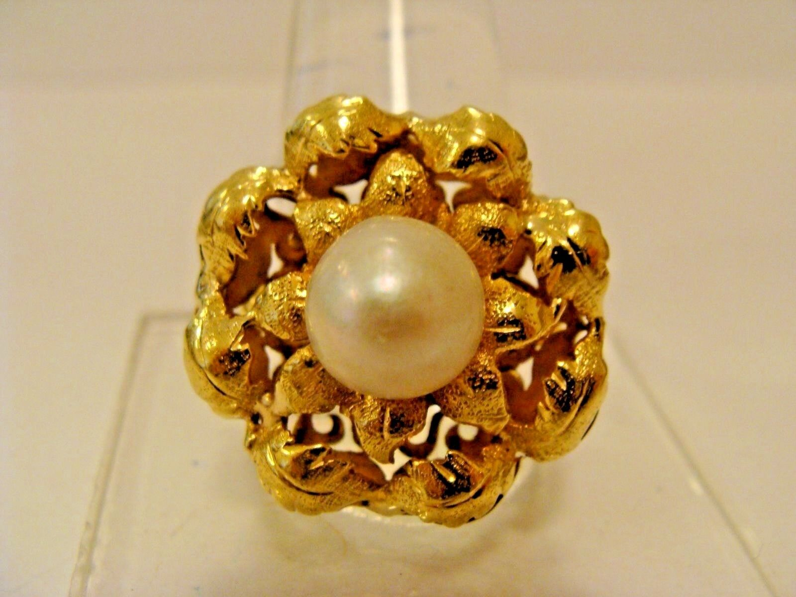 Beautiful Vintage 18K  750 Solid Yellow gold RING With PEARL, Size 8.5  & 11g