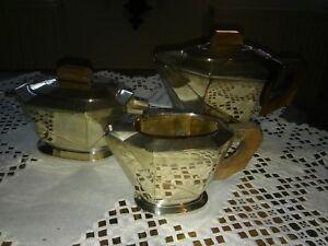 ausgefallenes-Teeservice-versilbert-Punzen-am-Sockel