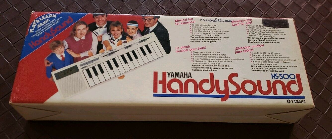 Vintage Yamaha HS-500 HandySound Mini Keyboard With Case and Original Box As Is