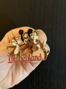 Disney-Collector-Pin-Chip-n-Dale-Stacking-Acorns-Disneyland-2004