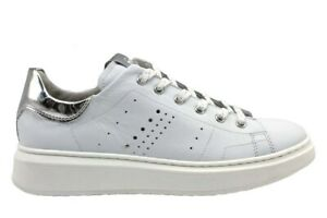 Nero-Giardini-Junior-P930990F-Bianco-Sneakers-Bambina-Comode-Casual
