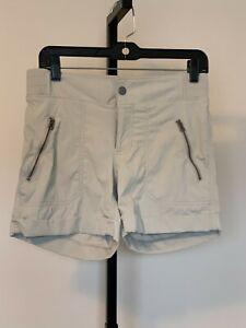 Womens-Athleta-activewear-casual-shorts-beige-sz-4-cuffed-Elastic-Waistband