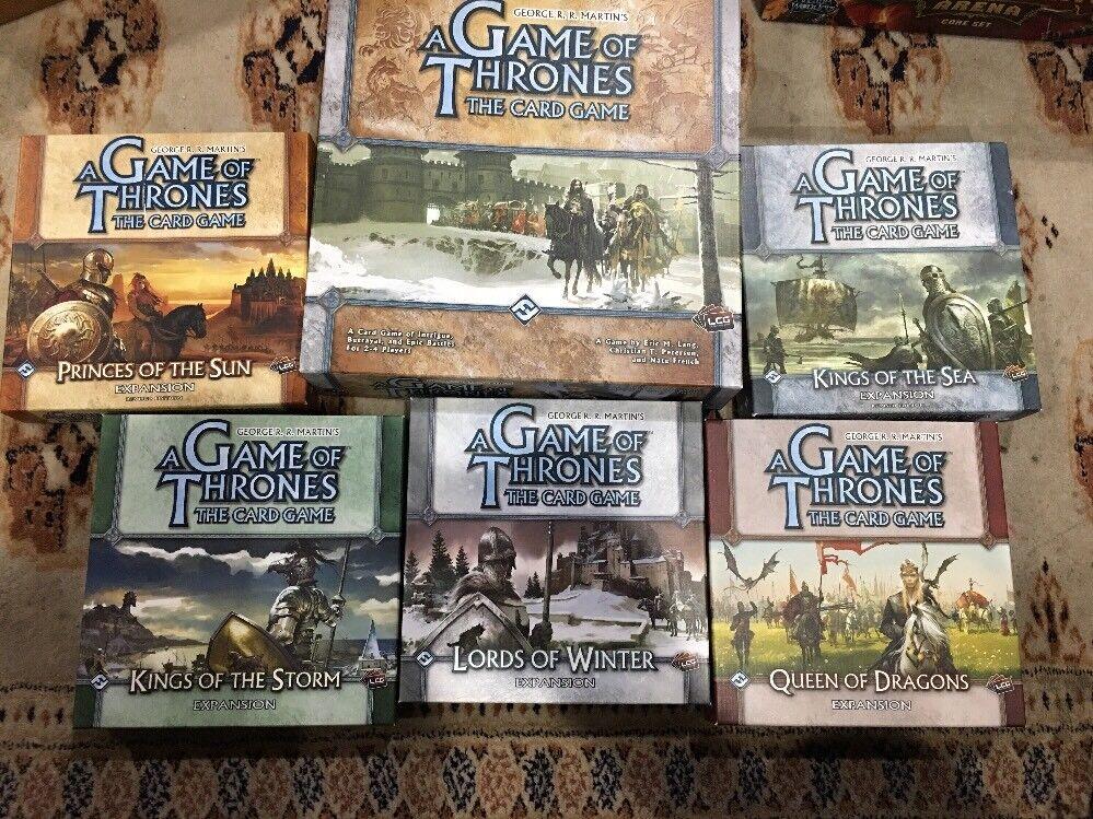 Un Juego de Tronos (el juego de cartas) con 5 expansiones