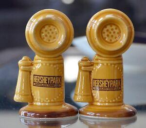 HersheyPark-Telephone-Salt-and-Pepper-Shakers-Chocolate-Town-Vintage-Souvenir