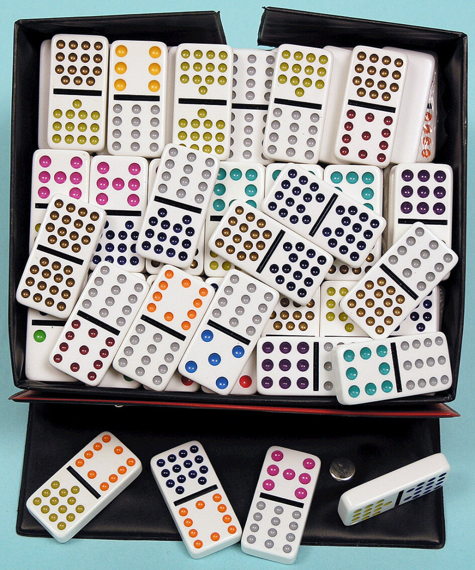 Plastic Double Fifteen Dominoes With Coloured Spots - Ref  00124