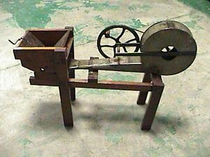 ANTIQUE-VINTAGE-Powder-Blower-Highly-Collectable