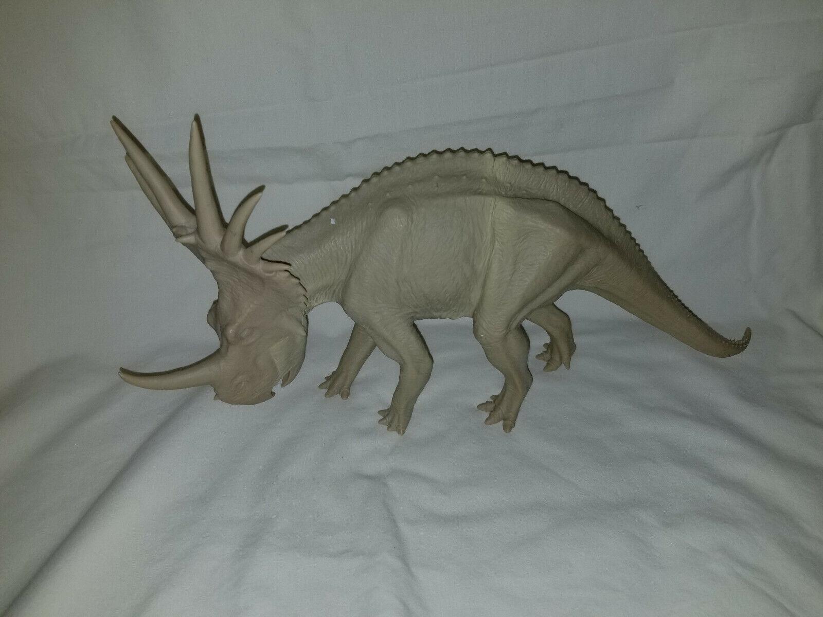 X-Styracosaurus Dinosaur figura sin pintar Plus