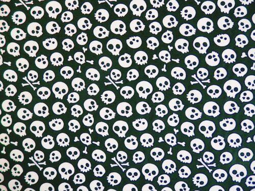 Bundle Remnant Polycotton Fabric 75 cm x 100 cm Black Skulls Pirate Bandanna