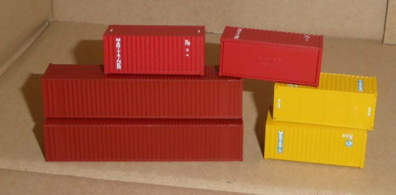 Walthers n scale set 4 piece 20' & 2 x 40' merzario and maritainer container