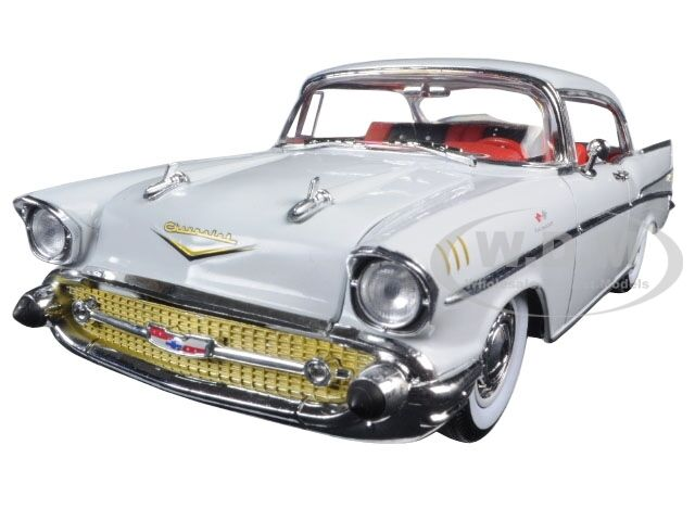 Broken 1957 CHEVROLET BEL AIR HARDTOP IMPERIAL IVORY 1/24 BY M2 40300-49A