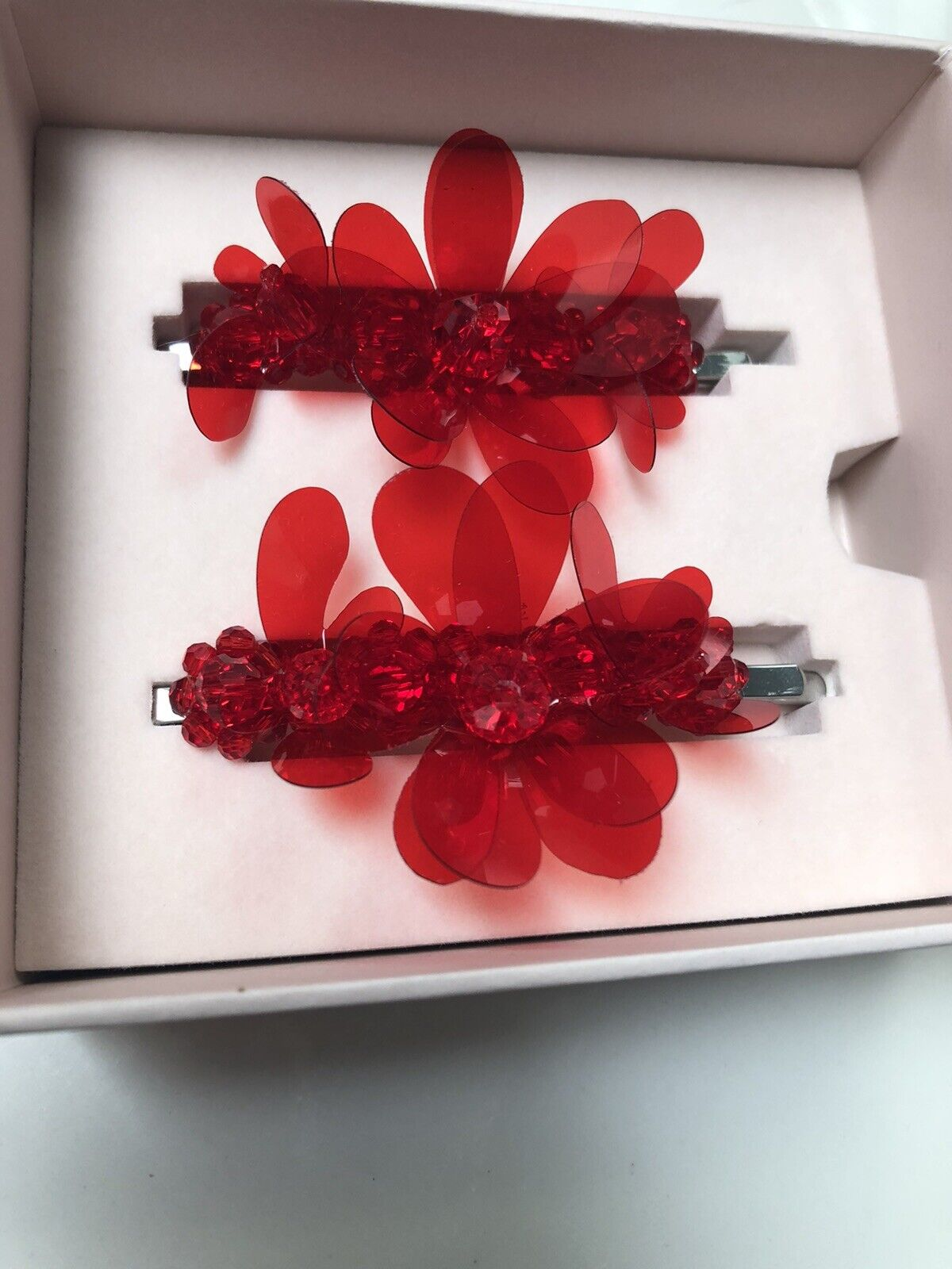 Simone Rocha H&M Red Flower Glass Beads Hair Pins Clips Set of 2 NEW IN BOX