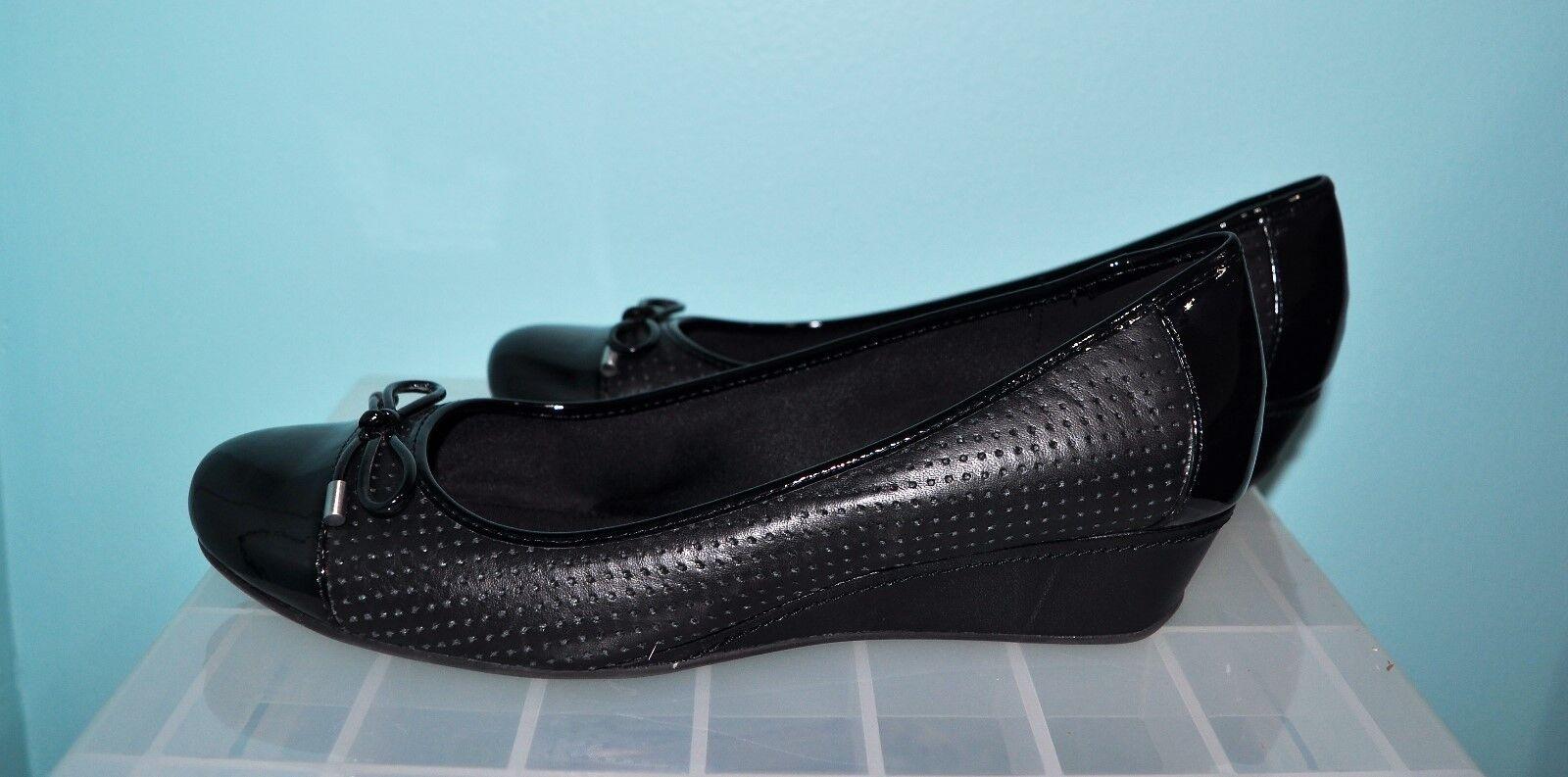 Black High Heel Shoe - Women's Size 8.5 Medium - Shoe EasySpirit Wedge Shoe 239f28
