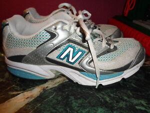 New Balance 920 running Shoes. TurquoiseSilver