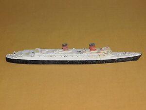 "VINTAGE TRIANG 10"" RMS QUEEN ELIZABETH MADE ENGLAND M702 METAL SHIP OCEANLINER"