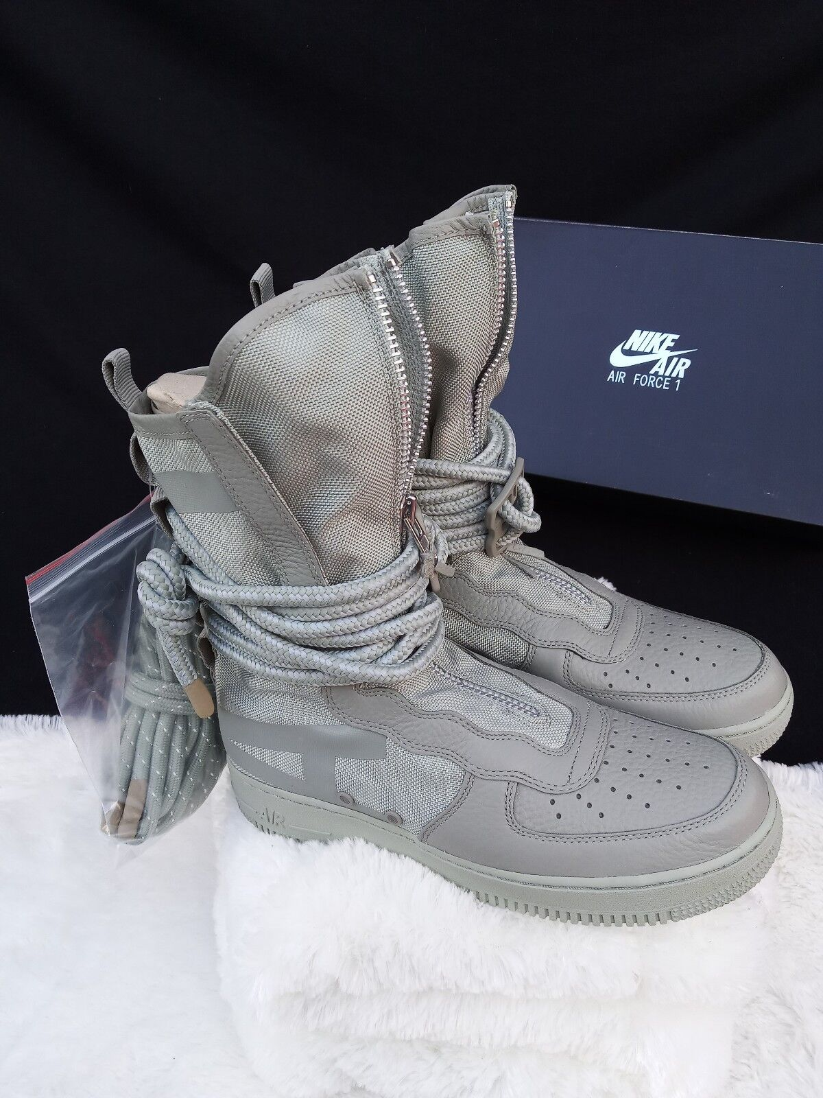 9.5 MEN'S Nike SF AF1 HI Sage Green Special Field AA1128-201 Air Force Boots